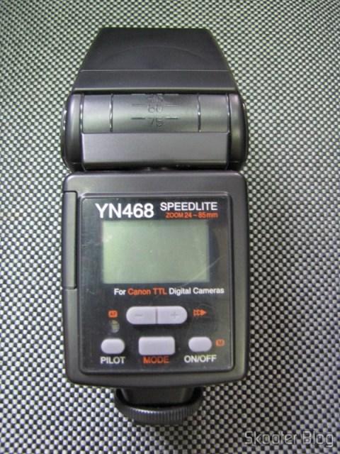 Visor LCD e controles do Flash Yongnuo Speedlite YN-468