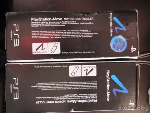 Lateral da caixa dos dois Playstation Move Motion Controllers