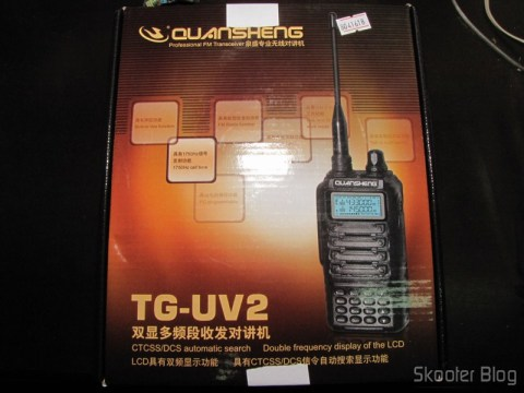 Caixa do Rádio HT Quansheng Walkie-Talkie Multi-Banda VHF/UHF, Dual Frequency, com VOX, Lanterna e Rádio FM