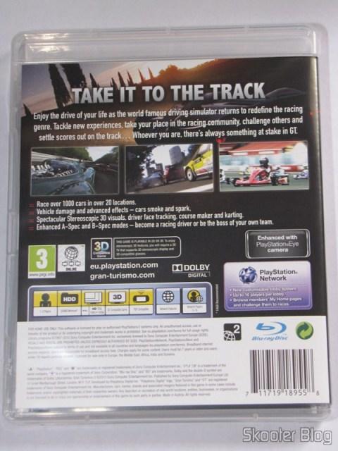 Parte traseira da capa do Gran Turismo 5 (PS3)