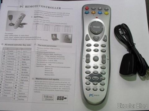 Controle Remoto de PC USB IR Universal acompanhado de seu receptor e manual de instruções