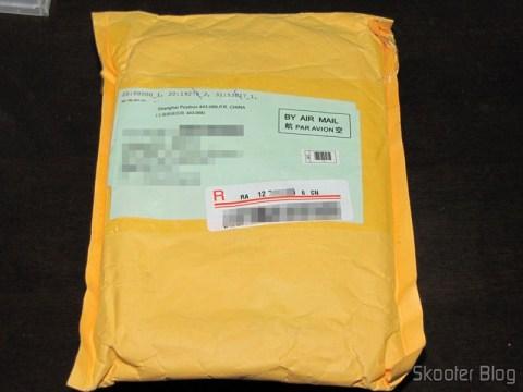 Pacote da DealExtreme com 2 Kits 7 em 1 de Ferramentas para Cirurgia Dental Descartáveis e duas cartelas com 4 Pilhas AAA NiMH recarregáveis 1.2V 750mAh GS Yuasa Enitime