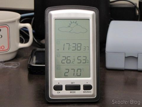 Estação Base da Estação de Tempo com LCD de 4″, Relógio, Higrômetro, e Sensor de Temperatura Interno e Externo Sem Fio