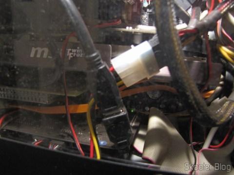 """Conexão do Cabo Adaptador Header de Placa-mãe c/ 20 pinos para dois USB 3.0 c/ 15cm com o Painel frontal 3.5"""" com Hub de 4 portas USB 3.0"""