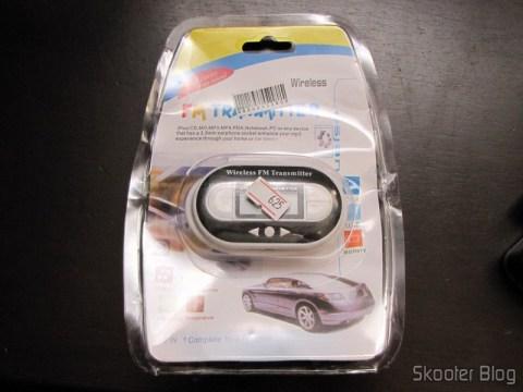 Transmissor FM Faixa Total com Porta USB C007B Preto (Fm Transmitter Full Range USB Port C007B Black) em sua embalagem