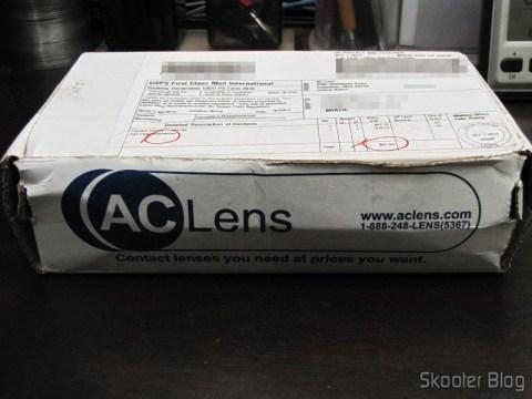 Caixa da AC Lens com as Lentes de Contato Cooper Vision Biofinity Toric e os Estojos de Couro para Lentes de Contato Amcon (Amcon Leather Contact Lens Cases)