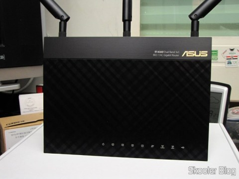Roteador Wireless Gigabit 1300Mbps ASUS RT-AC66U (ASUS RT-AC66U 1300 Mbps Gigabit Wireless Router)
