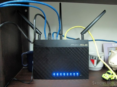 Roteador Wireless Gigabit 1300Mbps ASUS RT-AC66U (ASUS RT-AC66U 1300 Mbps Gigabit Wireless Router) operation