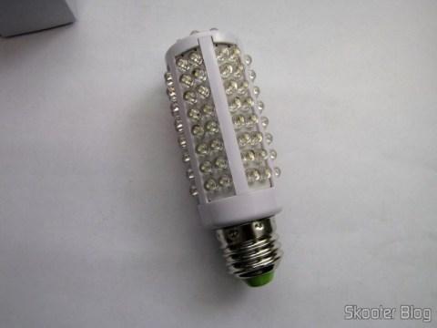 Lâmpada com 108 LEDs 600K 5W 360º com conector E27 220V~240V AC (360°5W 6000K White Energy Saving 108-pc LED Lighting Bulb with E27 Screw Cap AC 220V~240V HLB-27961)