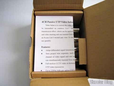 O primeiro Balun Transceiver Passivo de 4 Canais de Vídeo (CCTV) via Par Trançado, máximo 330m, em sua caixa