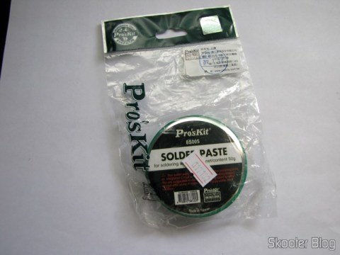 Packing with the Genuine Pro solder paste ' sKit with 50 g (Genuine Pro'sKit Soldering Paste – Ivory (50g))