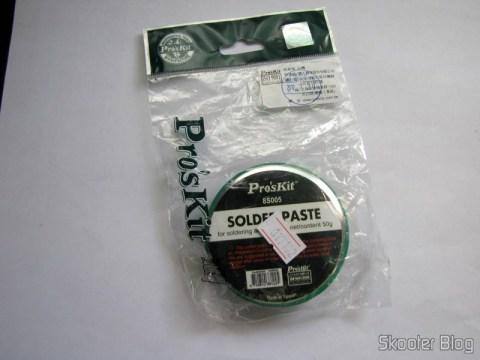 Embalagem com a  Pasta de Solda Genuína Pro'sKit com 50g (Genuine Pro'sKit Soldering Paste – Ivory (50g))