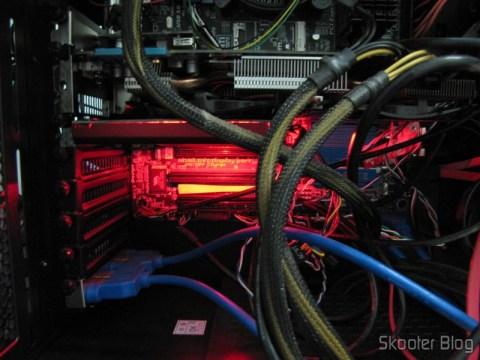 Creative Sound Blaster ZX SBX PCIE Gaming Sound Card with Audio Control Module SB1506 instalada