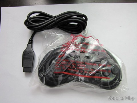 Controller 6 Botões ASCII 'Rhino' para Mega Drive (Mega Drive ASCII 'Rhino' 6 button controller) on its packaging