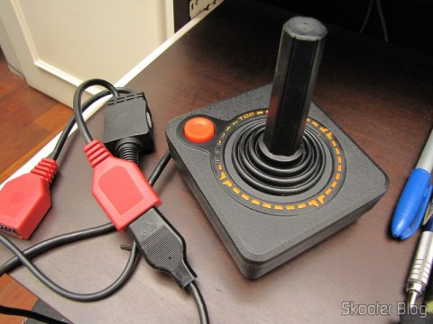 Adapter to connect two joysticks Atari 2600 the PC via USB (NEW Dual Port PC Computer USB Port Controller Adapter for ATARI 2600 JOYSTICK) connected to an Atari joystick 2600