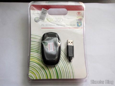 Receptor de Controladores Sem Fio de Xbox 360 para PC (Designer's PC Wireless Gaming Receiver for XBOX 360 Controller – Black), em sua embalagem