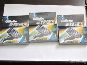 12 Cartuchos Mach 3 da Gillette revolucionário com lâmina tripla (Embalagem com 4) (Gillette Mach3 Revolutionary Triple-Blade (4-Pack)) em suas respectivas embalagens