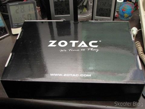 Zotac ZBOX ID83 Core i3-3120M 2.5GHz Intel HM76 DDR3 Wi-Fi A&V Gigabit Ethernet Mini PC Barebone System (ZBOX-ID83-U) em sua embalagem