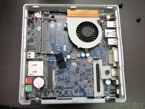Zotac ZBOX ID83 Core i3-3120M 2.5GHz Intel HM76 DDR3 Wi-Fi A&V Gigabit Ethernet Mini PC Barebone System (ZBOX-ID83-U), por dentro