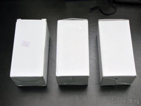 3 Lâmpadas LED 9W Luz Branca 7000K 1100 lumens E27 COB LED (110~220V) (E27 9W 1100lm 7000K White Light COB 1-LED Bulb - White (110~ 220V)) in their packaging