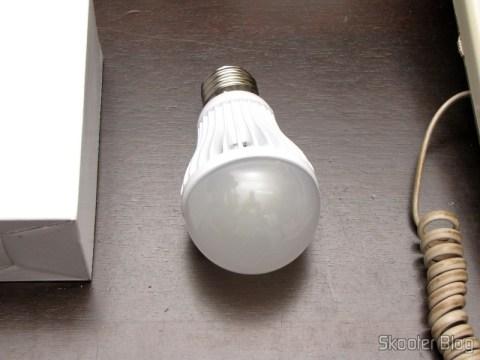 Lâmpada LED 9W Luz Branca 7000K 1100 lumens E27 COB LED (110~220V) (E27 9W 1100lm 7000K White Light COB 1-LED Bulb - White (110~220V))