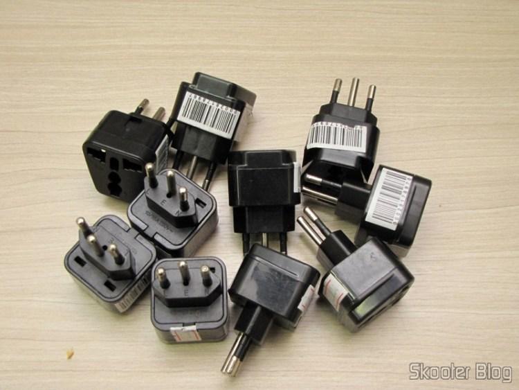 10 Adaptadores de Plug de Energia com 3 pinos de Australiano, Norte-Americano, Reino Unido e Europeu para Novo Padrão Brasileiro (3-PIN AU / US / UK / EU to Brazil Travel Power Plug Adapter)
