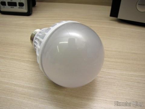 Lâmpada LED 9W Luz Branca 7000K 1100 lumens E27 COB LED (110~220V) (E27 9W 1100lm 7000K White Light COB 1-LED Bulb – White (110~220V))