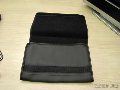 Synthetic leather cover that comes with the World Multi-Band Radio Tecsun PL-660 FM, AM (Medium Wave), Shortwave, Long Waves and Escuta Aeronautics (TECSUN PL-660 (Black) AIR/FM/SW/MW/LW World Band Radio)