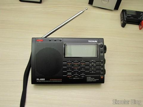 Radio Multi-Banda Mundial Tecsun PL-660 FM, AM (Ondas Médias), Ondas Curtas, Ondas Longas e Escuta Aeronáutica (TECSUN PL-660 (Black) AIR/FM/SW/MW/LW World Band Radio)