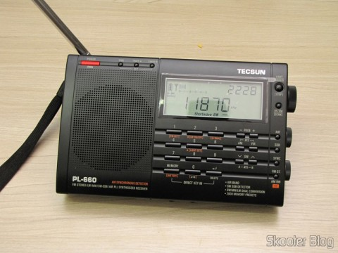 Radio Multi-Banda Mundial Tecsun PL-660 FM, AM (Medium Wave), Shortwave, Long Waves and Escuta Aeronautics (TECSUN PL-660 (Black) AIR/FM/SW/MW/LW World Band Radio) tuning shortwave