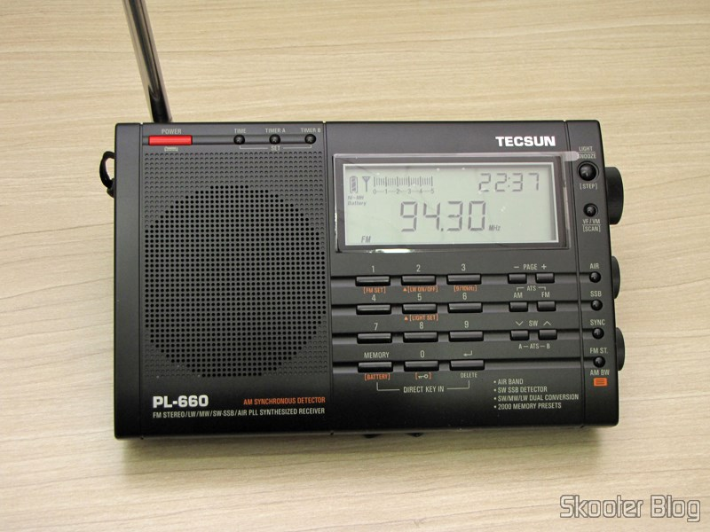 eBay: Radio Multi-Banda Mundial Tecsun PL-660 FM, AM (Medium Wave), Shortwave, Long Waves and Escuta Aeronautics (TECSUN PL-660 (Black) AIR/FM/SW/MW/LW World Band Radio)