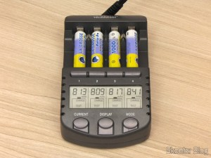 Test of AAA batteries that came with the Battery Charger La Crosse technoly Alpha Power BC1000 (La Crosse Technology Alpha Power Battery Charger, BC1000)