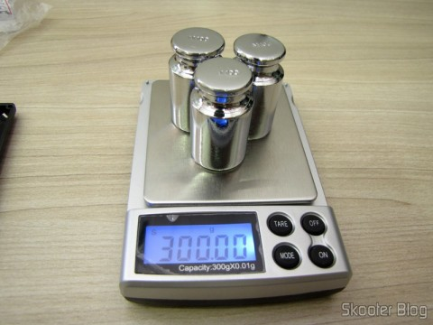 Calibrating the balance with the 3 Weights 100 grams for Calibration Precision Digital (Digital Scale Calibration Weight (100 grams))