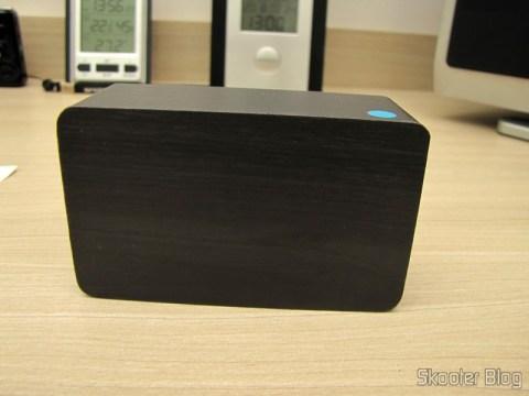 Relógio com Alarme Estilo Madeira c/ LED Azul e Temperatura (Wood Style Alarm Clock w/ Blue LED + Temperature – Black + Grey (4 x AAA/USB)), desligado