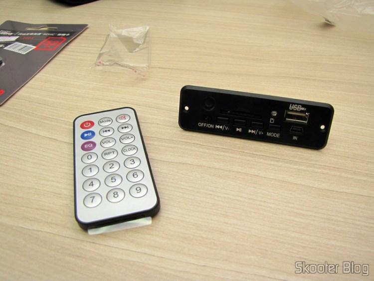Hardware Decodificador MP3 c/ FM, Remote Controle, USB, Mini USB Slot SD (MP3 Hardware Decoder w/ FM/Remote Controller/USB/Mini USB/SD Slot – Black (5In))