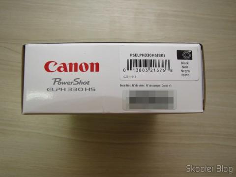 Lateral da Caixa da Câmera Digital Canon PowerShot ELPH 330 HS 12.1 MP Wi-Fi CMOS Zoom Óptico 10X Lentes 24mm Video Full HD 1080p (Canon PowerShot ELPH 330 HS 12.1 MP Wi-Fi Enabled CMOS Digital Camera with 10x Optical Zoom 24mm Wide-Angle Lens and 1080p Full HD Video (Black))