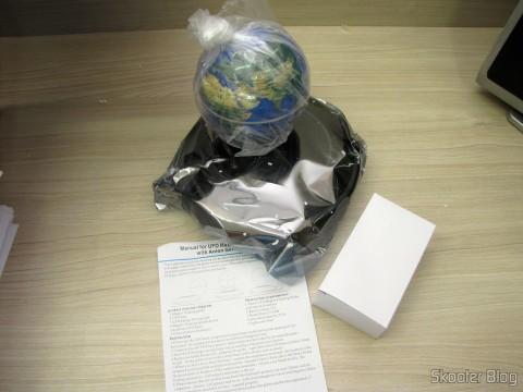 Globo Flutuante Maglev UFO Cheerlink 106mm c/ Gerador de Ânions (CHEERLINK 106mm UFO Maglev Floating Globe w/ Anion Generator – Blue + Black (US Plug / AC 100~240V)), fonte e manual