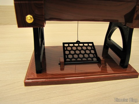 Pedal Mini Musical Box Mechanical Old Style Sewing (Vintage Mini Sewing Machine Style Mechanical Music Box)