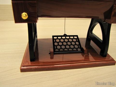 Pedal Mini Musical Box Mechanical Old Style Sewing (Vintage Mini Sewing Machine Style Mechanical Music Box)