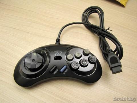 Um dos 2 Controladores de Mega Drive e Master System com 6 botões (2x Megadrive Master System 6 Button controller pads NEW)