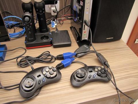 2 Controladores de Mega Drive e Master System com 6 botões (2x Megadrive Master System 6 Button controller pads NEW) conectados ao HTPC ZBox
