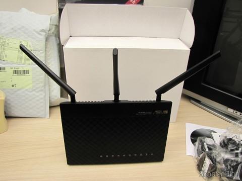 Visão frontal do Roteador ASUS RT-AC68U Dual Band Gigabit Router 802.11ac Wireless-AC1900