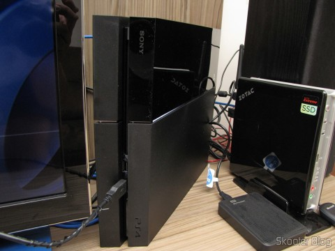 Console Playstation 4 (PS4), up and running