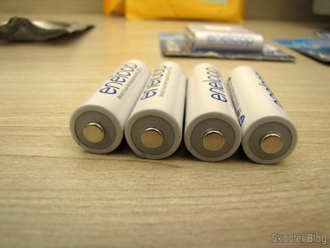 4 Pilhas Recarregáveis AA NiMH 1.2V 1900mAh Sanyo Eneloop Genuínas