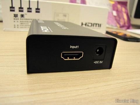 Lateral Esquerda do Switch HDMI c/ Controle Remoto LINK-MI LM-SW04 1080p 3D 5 entradas p/ 1 saída (LINK-MI LM-SW04 1080P 3D 5 in 1 out HDMI Switch w/ Remote Control - Black)