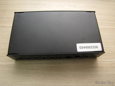 Parte Inferior do Switch HDMI c/ Controle Remoto LINK-MI LM-SW04 1080p 3D 5 inputs p / 1 output (LINK-MI LM-SW04 1080p 3D 5 in 1 out HDMI Switch w/ Remote Control - Black)