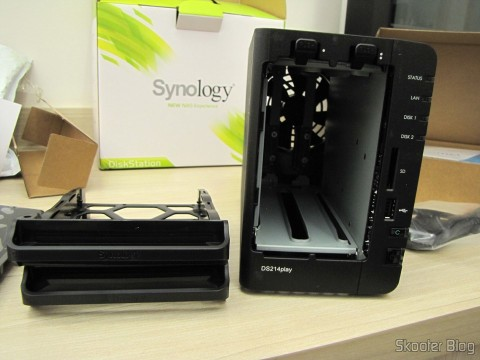 Por dentro do Synology America DiskStation 2-Bay Diskless Network Attached Storage (DS214play)