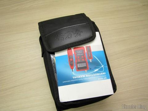 Manual de Instruções e Bolsa do Testador de Cabos de Rede LAN, Telefone, USB, BNC e Firewire com Rastreador de Cabos e Display LCD (Network LCD LAN Cable Tester Phone Wire Tracker RJ45 RJ11 BNC USB Scanner 5E, 6E)