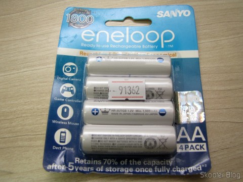 Embalagem com 4 Pilhas Recarregáveis AA NiMH 1.2V 1900mAh Sanyo Eneloop Genuínas que faltava