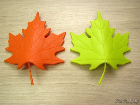 To-Door Style Orange Maple Leaf (Maple Leaf Style Door Stopper Guard - Orange) and To-Door Style Maple Leaf Green (YSDX-382 Maple Leaf Style EVA Door Stopper - Green)